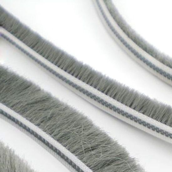 Crash-proof plastic top wool pile weather strip for window seals